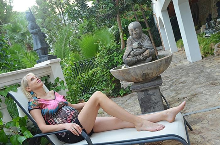 Buddha im Garten auf Mallorca - Elischeba Wilde