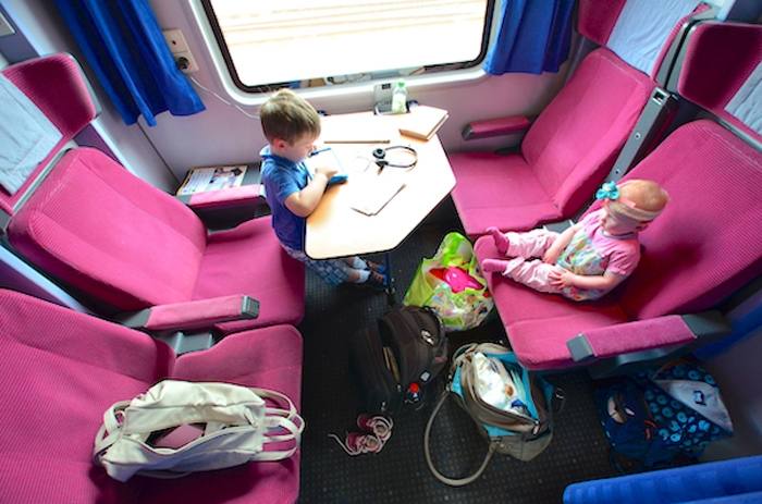 Zug fahren - erste Klasse