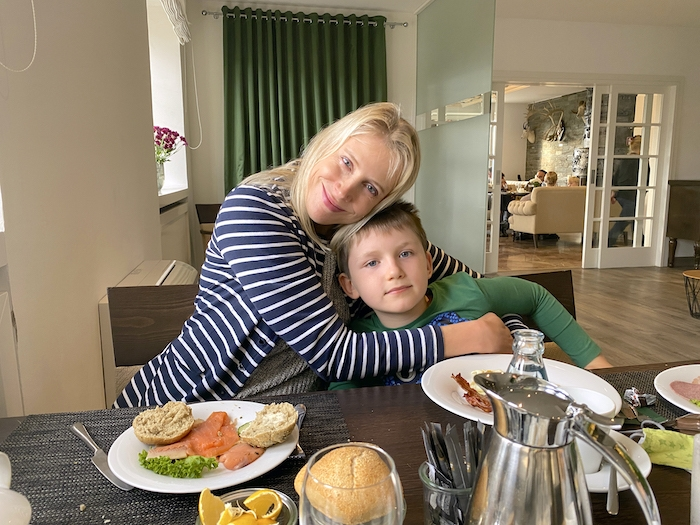 Frühstück im Romantikhotel Klosterhof Jakobsberg - Elischeba und Leon
