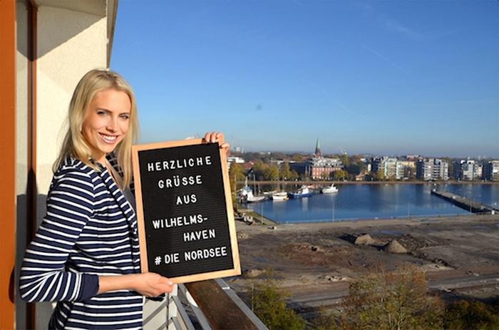 Elischeba Wilde als Instagirl in Wilhelmshaven