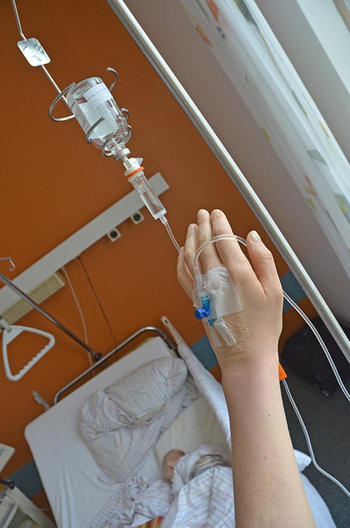 Elischeba Wilde - Krankenhaus Infusion