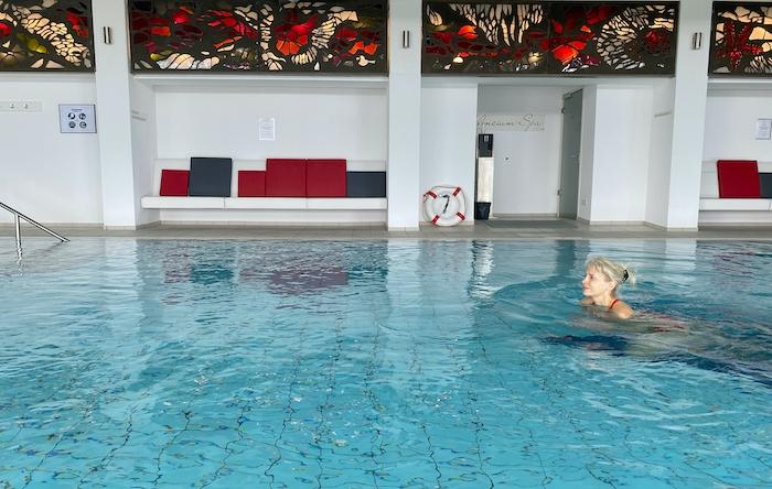 Schwimmbad vom Romantikhotel Klosterhof Jakobsberg