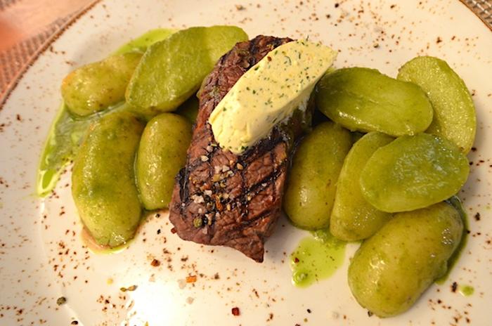 Steak in Wilhelmshaven - Rinderfilet vom Lavasteingrill