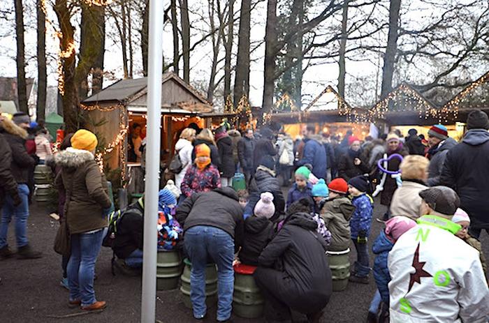 Waldweihnachtsmarkt in Velen - sehr voll