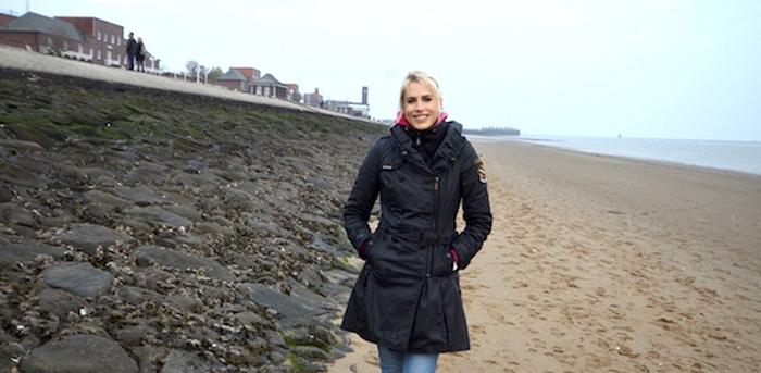 Elischeba in Wilhelmshaven am Strand