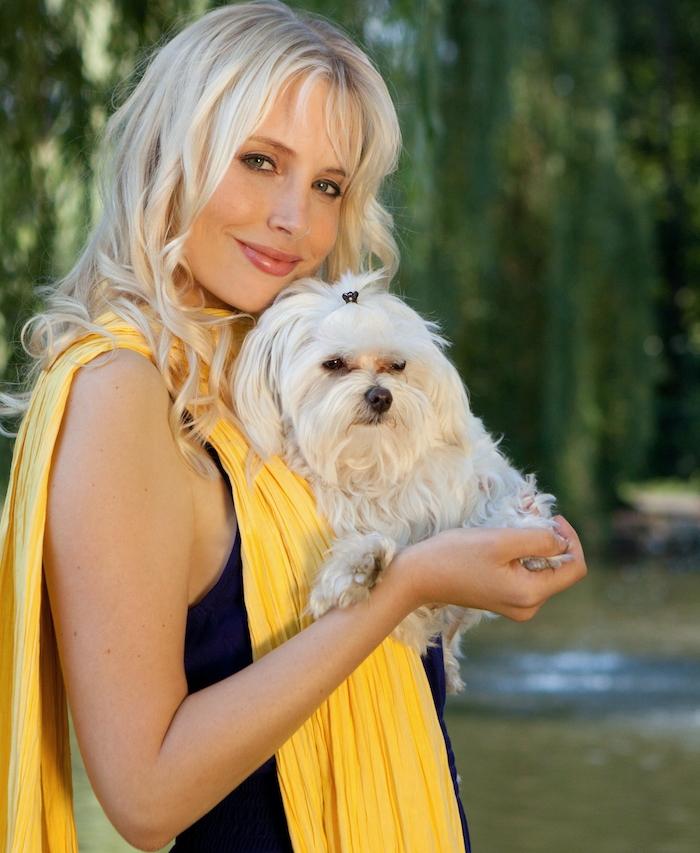 Elischeba mit Malteser Hund