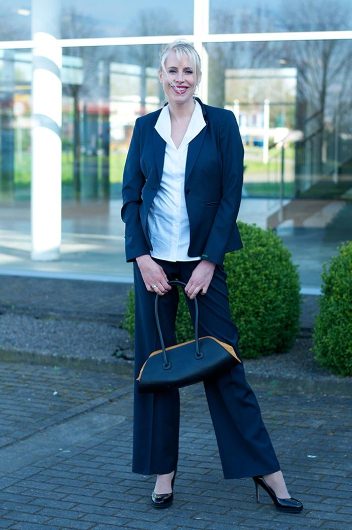 Model Elischeba in fairer Businessmode von gotsutsumu und Schreif