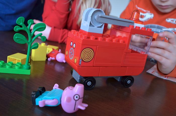 Feuerwehrauto Peppa Pig