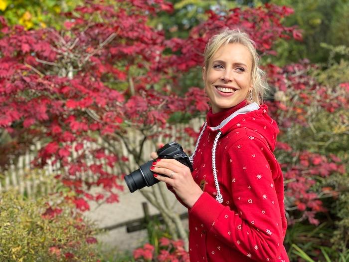 Frau mit Kamera - Herbstfotos - Elischeba Wilde