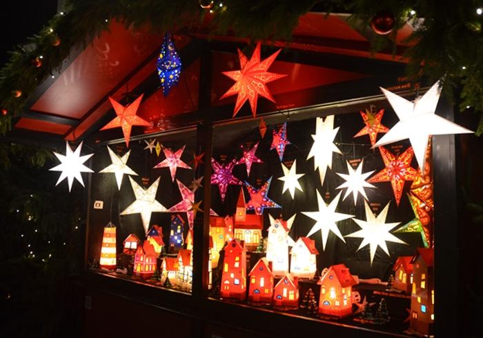 Sterne auf dem Weihnachtsmarkt in Celle