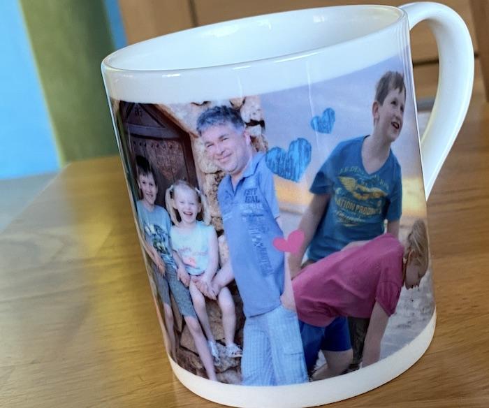 Tasse mit eigenen Fotos