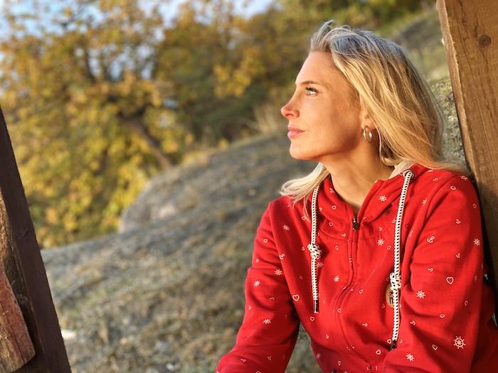 Elischeba Wilde - nachdenklich in der Herbstsonne