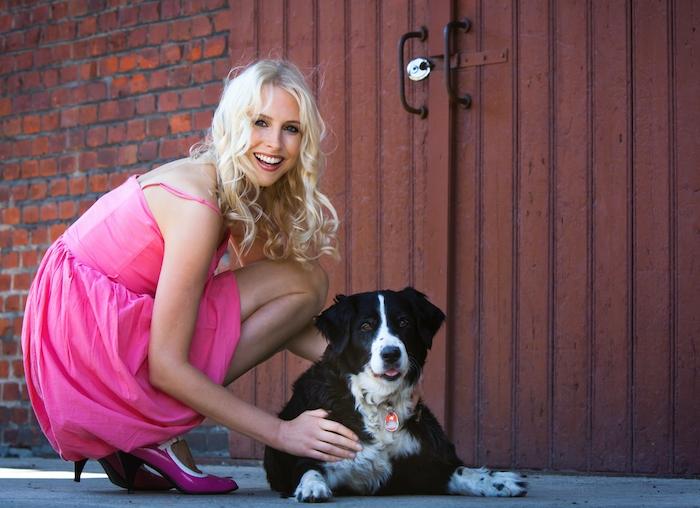 Elischeba Wilde - Frau mit Hund