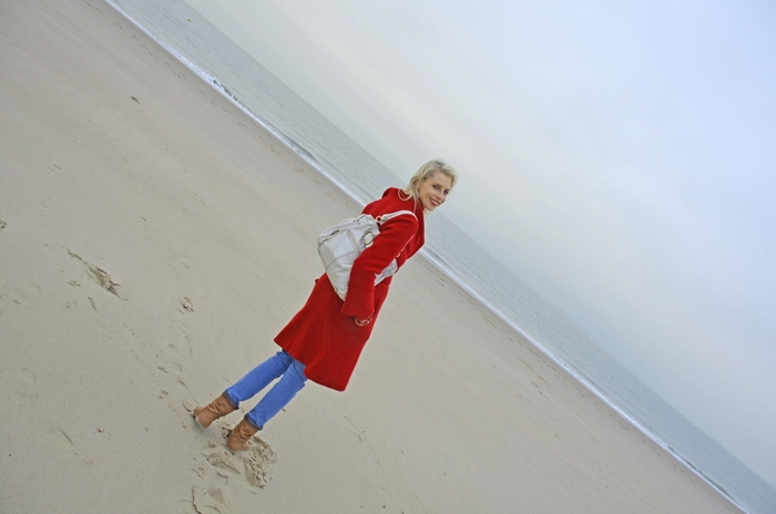 Elischeba Wilde am Strand in Zeeland