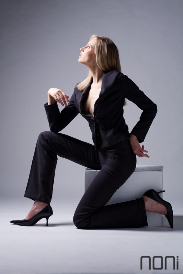 Elischeba Wilde - Fotoshooting für NONI Fashion