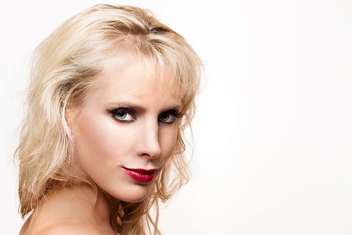 Elischeba Wilde - Portrait - sexy look