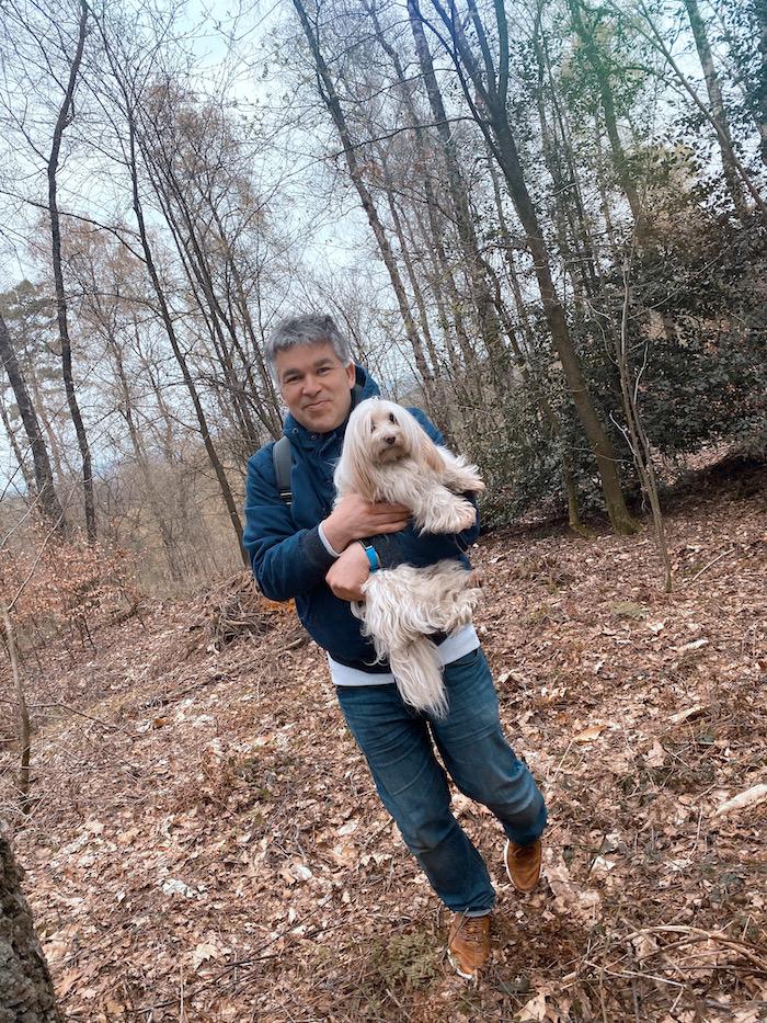 Gassi gehen im Wald - Pierre Wilde