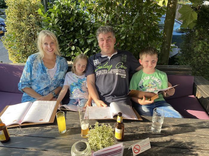 Familie Wilde im Aparthotel Delden